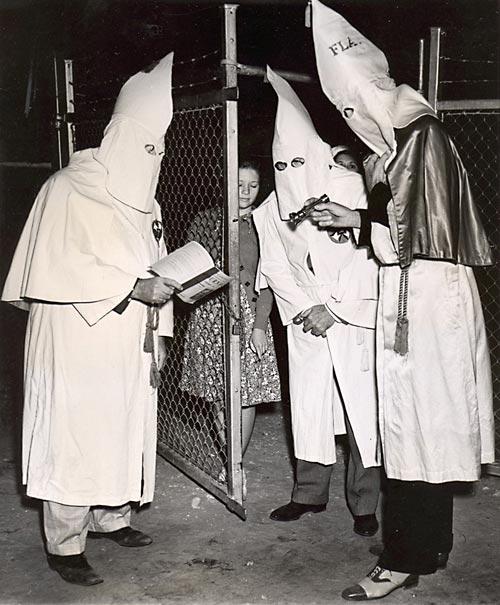 Miami Klan assembling at Moore Park