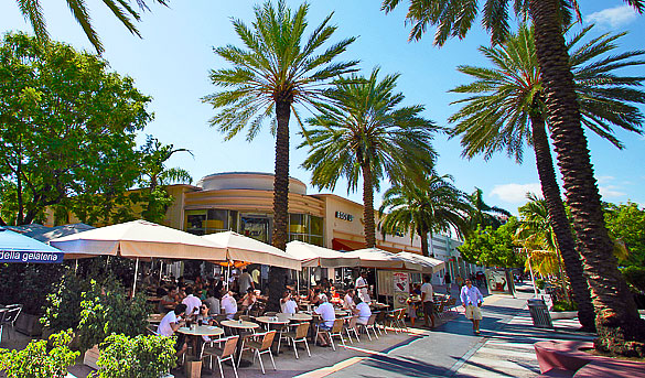 Nexxt Cafe on Lincoln Road in Miami Beach