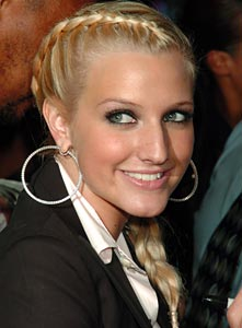 Ashlee Simpson at MTV's VMA