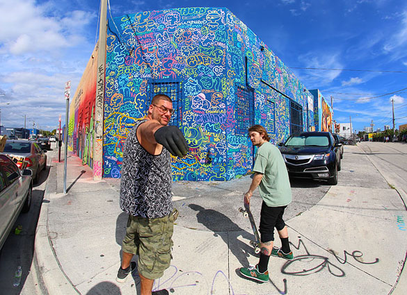 """Artist """"Mastro"""" on 27th and NW 3rd Avenue"""