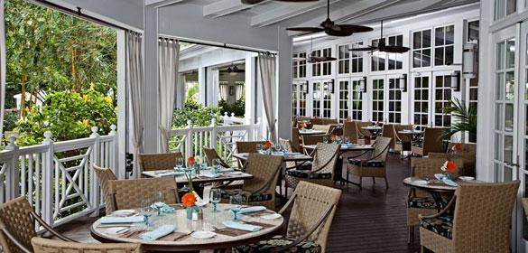 Essensia's outdoor dining area