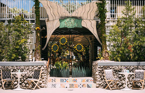 Cafe Nikki Entrance