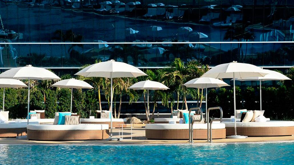 Fontainebleau Pool