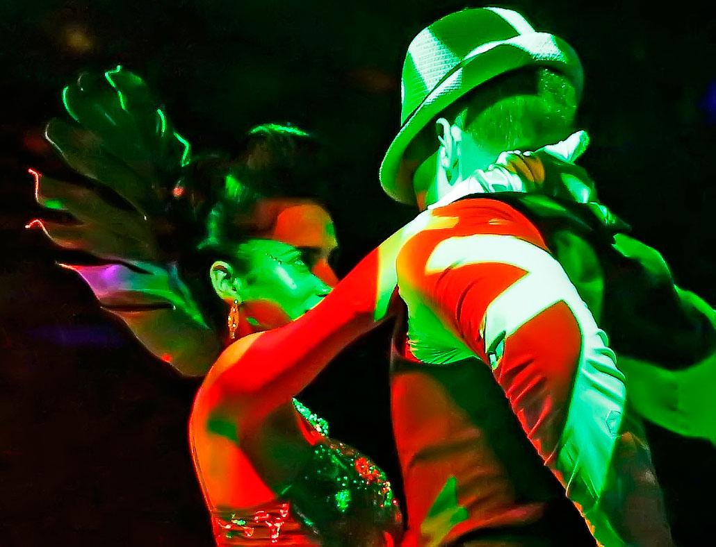 Lidia Llanes and René Rodriguez in a mad Salsa moment
