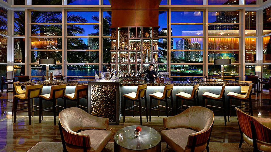MO Bar & Lounge at the Mandarin Oriental Hotel