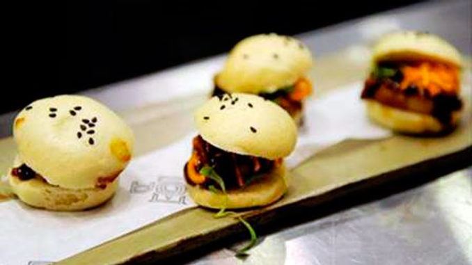 DÔA's Soft Shell Crab buns