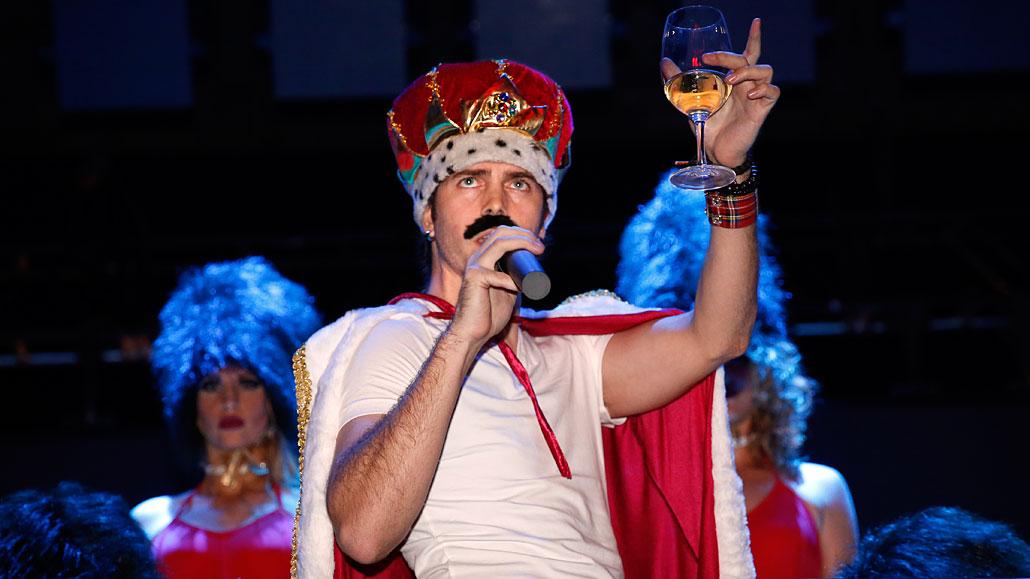 Fernando Castro as Queen's Freddie Mercury