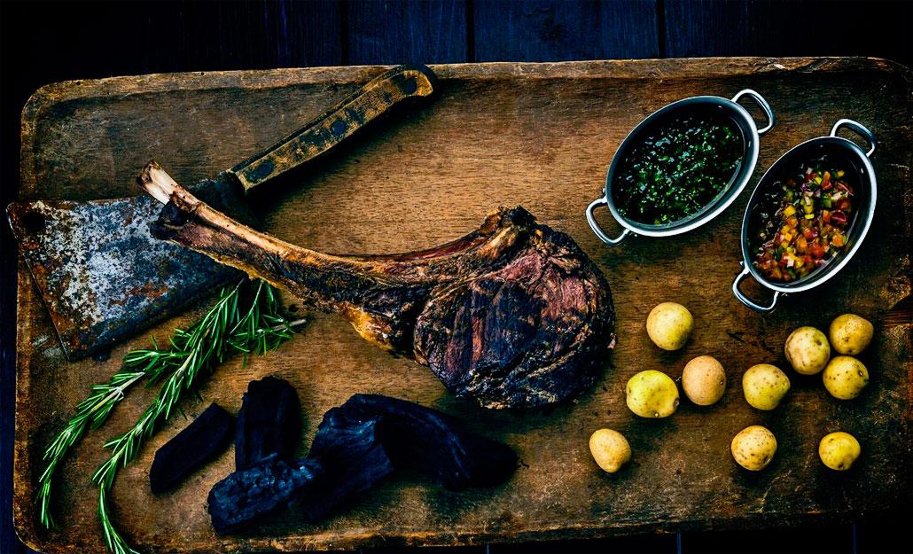 Los Fuegos Hanging 48 ounce Tomahawk Steak (Photo: Nando Ayora)